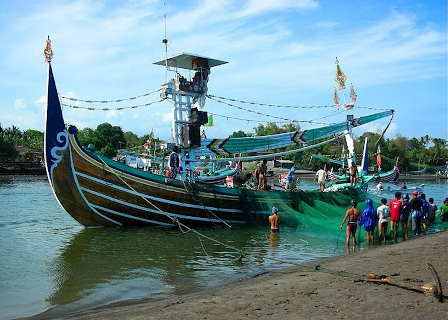 Visit medewi on a trip to indonesia audley travel for Fishing spots near me no boat